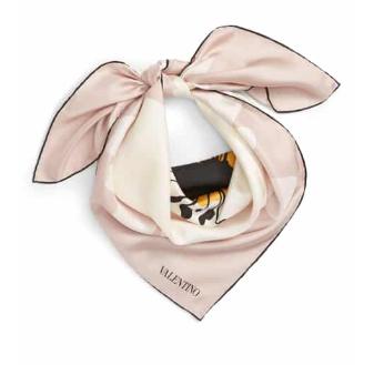 claudia.styliste.dr.martens.little.foulard